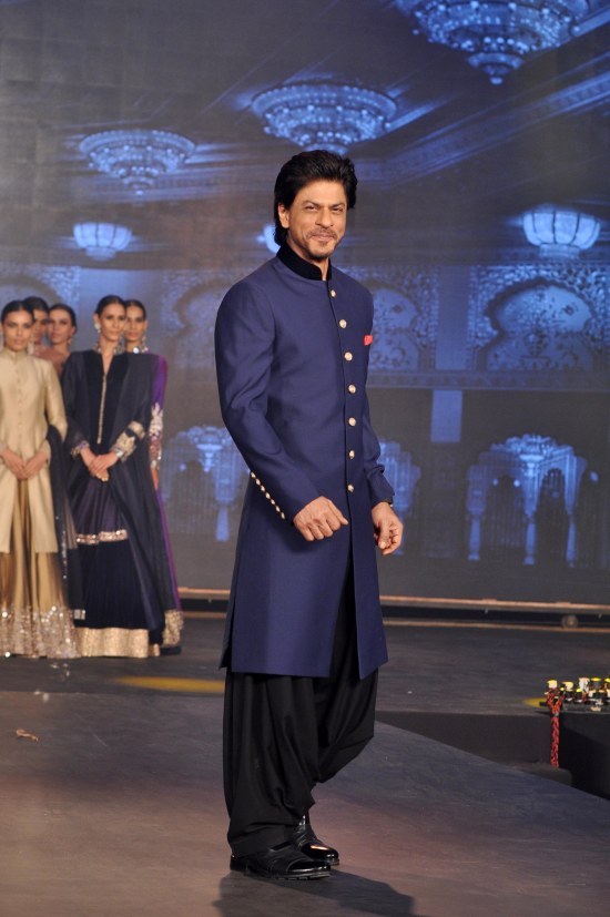 SHAH RUKH KHAN AT HNY TRAILER LAUNCH IN MUMBAI DSC_3980